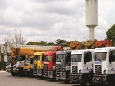 Locação de caminhões guindauto e guindastes
